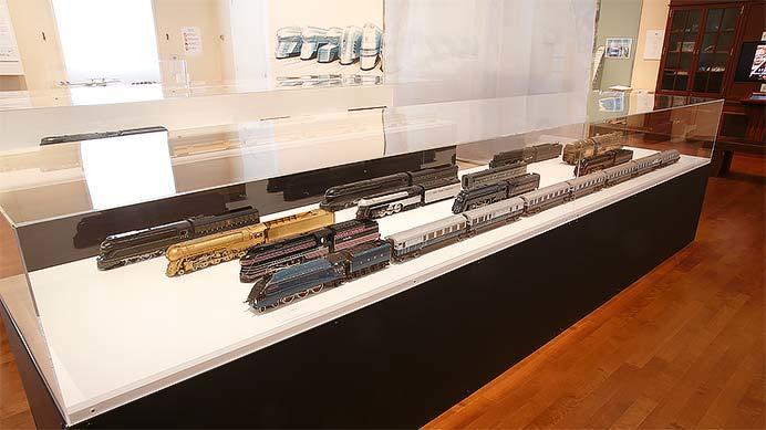 流線形の鉄道