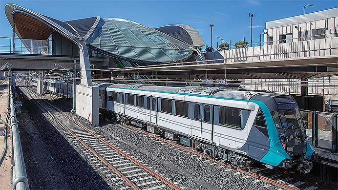 南半球 オーストラリア シドニーの鉄道